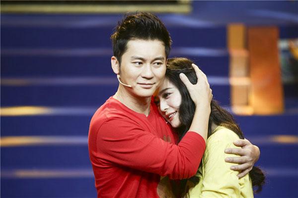showbiz 24/7: chau kiet luan da lau khong ngu cung vo - 5
