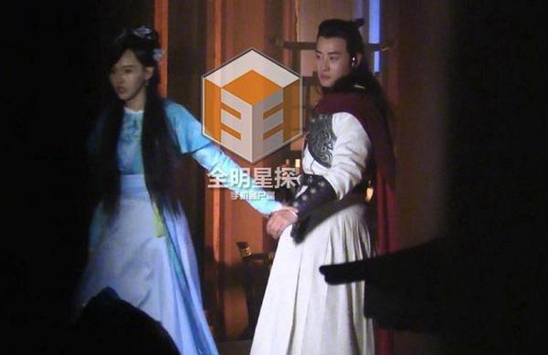 showbiz 24/7: chau kiet luan da lau khong ngu cung vo - 6