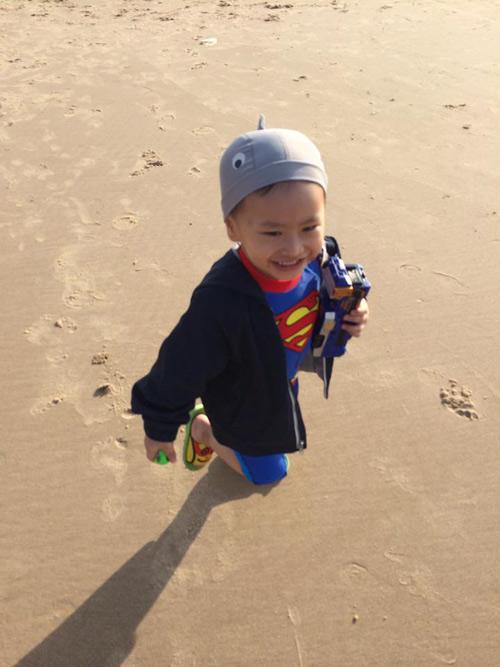 nguyen khoi vy - ad31230 - superman ti hon - 1