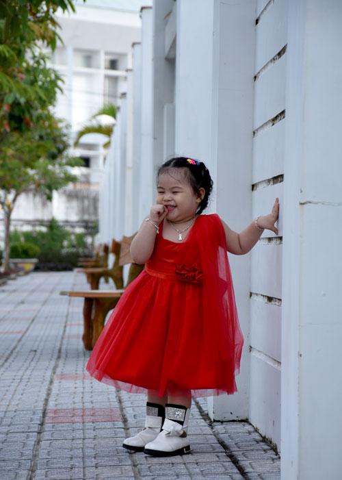 nguyen tran truc phuong - ad72308 - be gai dang yeu - 1