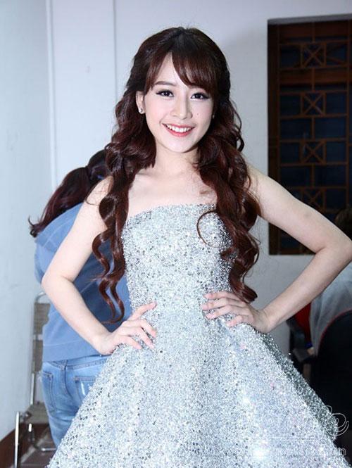 Sự thay đổi phong cách tóc của Chi Pu khi xóa mác hot girl-2