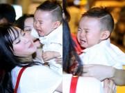 Làng sao - Quý tử nhà Vy Oanh khóc nấc tại sân bay Tân Sơn Nhất