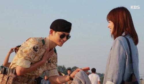 song hye kyo giat minh vi song joong ki qua dieu da - 4
