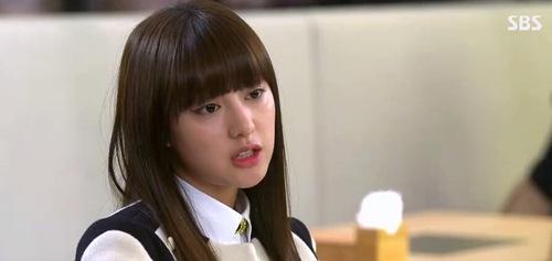 Hậu duệ của mặt trời: Kim Ji Won có thực sự diễn xuất thần?-9