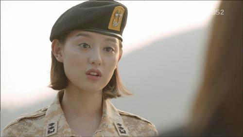 Hậu duệ của mặt trời: Kim Ji Won có thực sự diễn xuất thần?-10