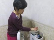 """Tin tức - Xí nghiệp nước sạch nói gì về """"nước có giun"""" ở chung cư cao cấp?"""
