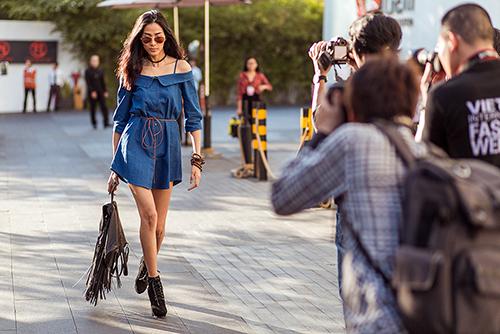 Street style Tuần thời trang quốc tế Việt Nam đẹp như Paris-3