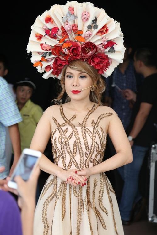 Thanh Thảo - Việt Hương vui vẻ ăn quà vặt, 'tám' chuyện rôm rả-8