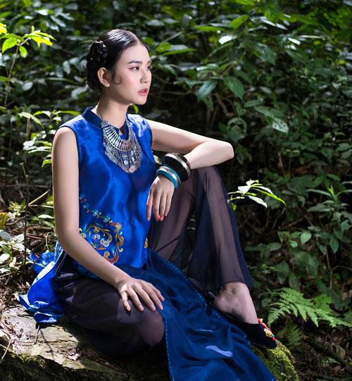 Hồn Việt đậm đà trong những tà áo dài gấm-6