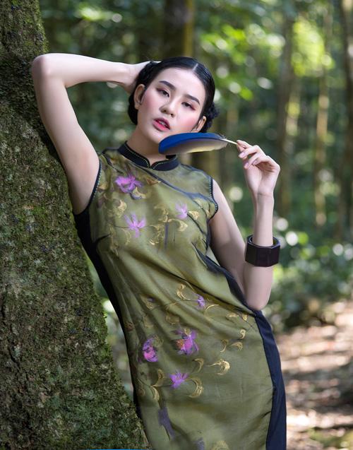 Hồn Việt đậm đà trong những tà áo dài gấm-10