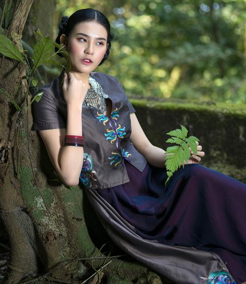 Hồn Việt đậm đà trong những tà áo dài gấm-12