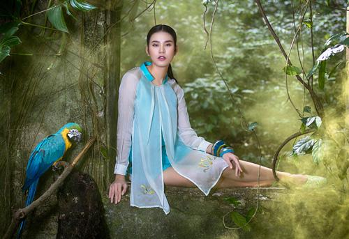 Hồn Việt đậm đà trong những tà áo dài gấm-2