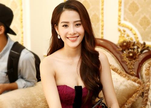 Hoa khôi Nam Em gợi cảm trước ngày thi Hoa hậu Việt Nam-3