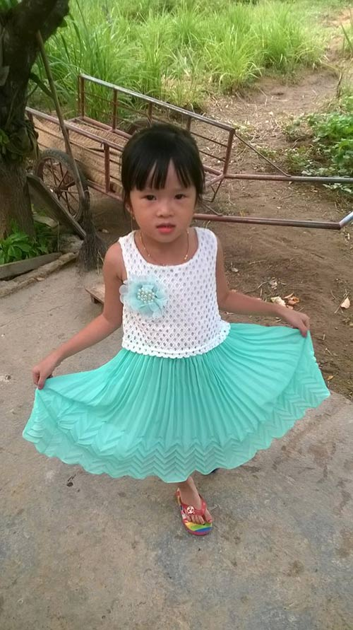 kim tran ha anh - ad25918 - co be thich lam nguoi mau - 4