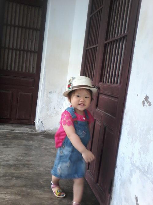 nguyen thi kim ngan - ad18416 - co be toc vang - 1