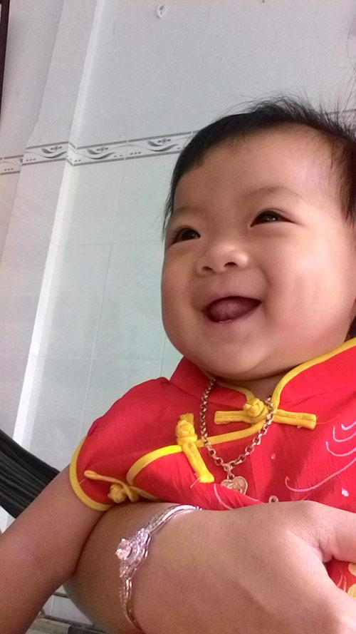 truong ngoc khanh chi - ad11659 - be sua hai huoc - 1