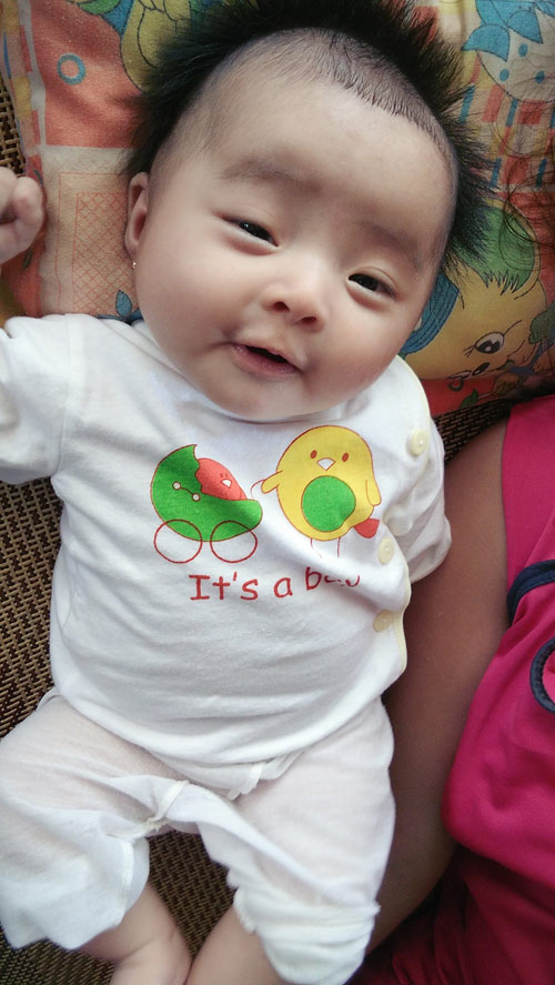 van lam huynh hoa - ad54315 - cau be ngo nghinh, dang yeu - 1