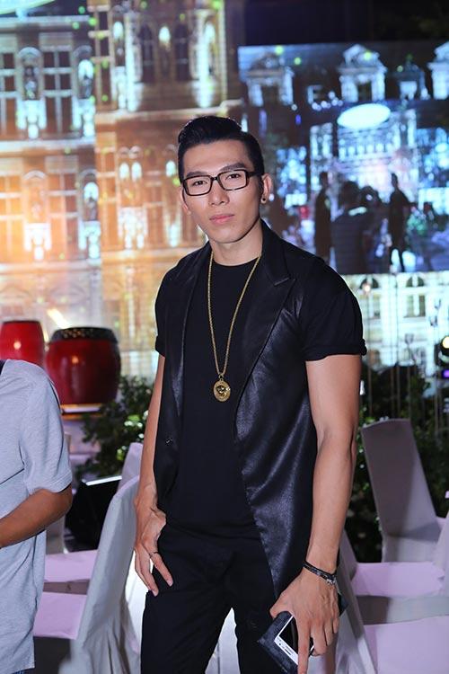 """""""Gái 2 con"""" Thiên Lý khoe dáng chuẩn bên Phạm Hương-15"""