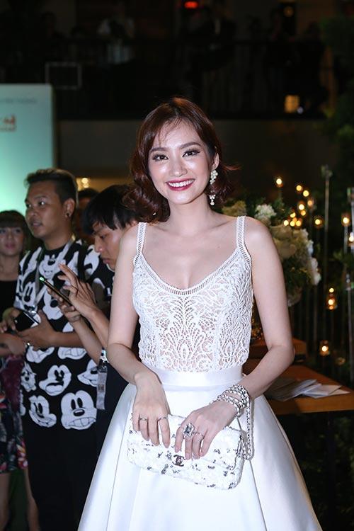 """""""Gái 2 con"""" Thiên Lý khoe dáng chuẩn bên Phạm Hương-8"""