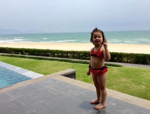 Con gái Jennifer Phạm lộ ảnh bikini bụ bẫm đáng yêu-12