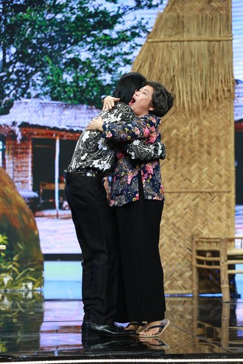 hoai linh phan doi nan lay chong dai loan - 11