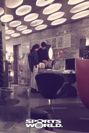 showbiz 24/7: lo anh hiem hoi cua con trai lee byung hun - 7