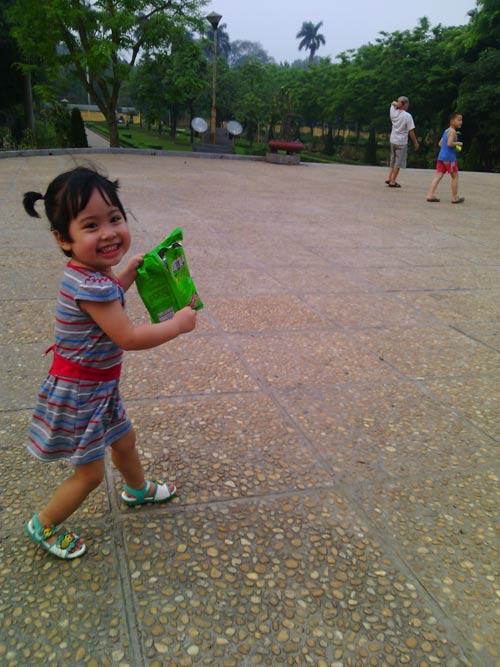 nguyen ho linh dan - ad20433 - be gai nhanh nhen - 2