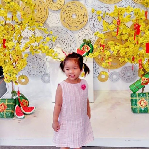 nguyen minh thu - ad28598 - co be hay cuoi - 1