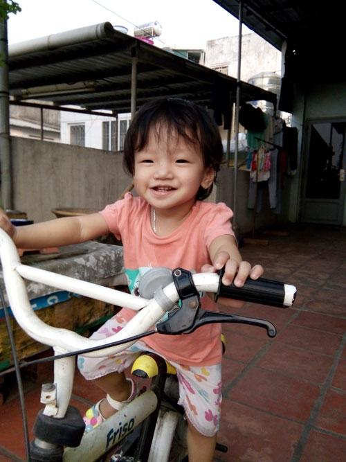 cao truc linh - ad18644 - co be de thuong - 2