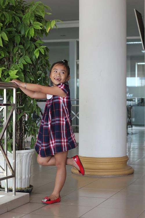 duong ngoc khanh bang - ad94429 - co be hay cuoi - 2