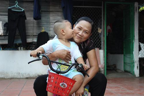 tran huu phuc - ad96013 - cau be tinh nghich - 4