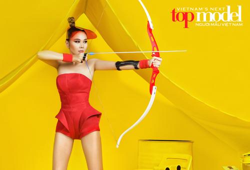 thanh hang tiep tuc lam giam khao vietnam's next top model - 2