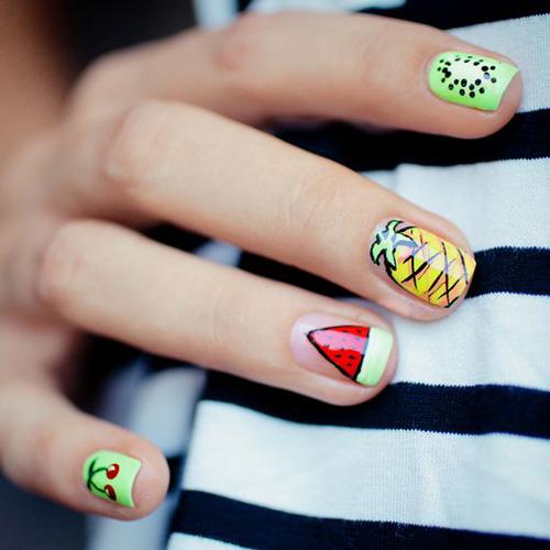 Những mẫu nail mát lạnh giúp bạn giải nhiệt mùa hè-4