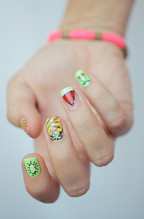 Những mẫu nail mát lạnh giúp bạn giải nhiệt mùa hè-3