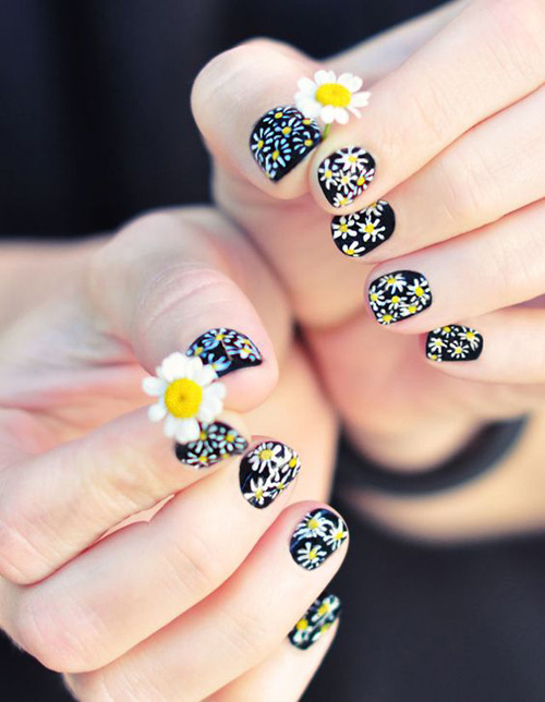 Những mẫu nail mát lạnh giúp bạn giải nhiệt mùa hè-9
