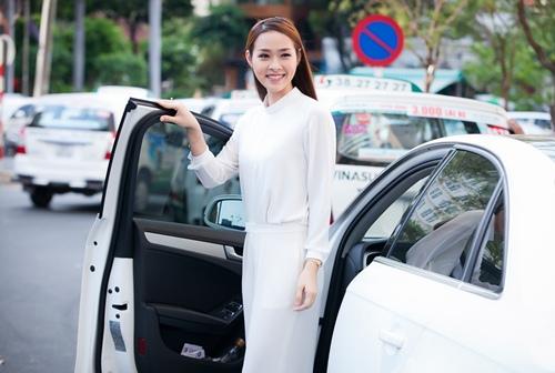 Diệp Bảo Ngọc lái xế sang đến ủng hộ Ngô Thanh Vân-1