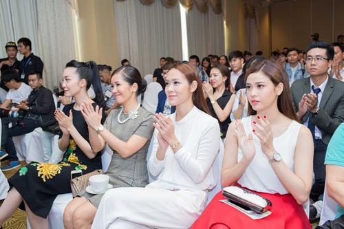 Diệp Bảo Ngọc lái xế sang đến ủng hộ Ngô Thanh Vân-10