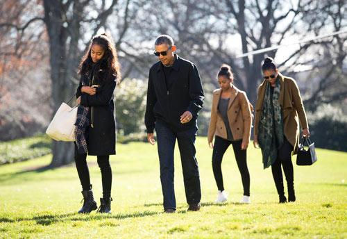 Con gái Tổng thống Obama gây ồn ào khi hoãn vào ĐH-1