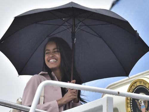 Con gái Tổng thống Obama gây ồn ào khi hoãn vào ĐH-2