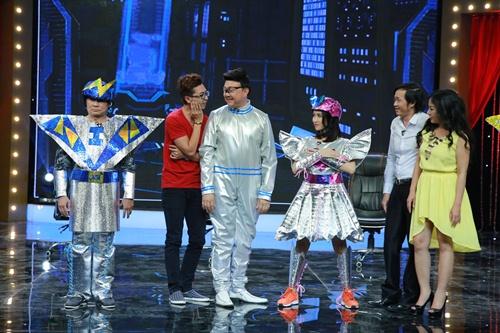 Hòa Minzy bị chê khi diễn hài cùng Thúy Nga-16