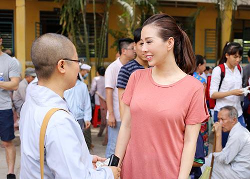pham huong an can lau mo hoi cho hoa hau thu hoai - 10