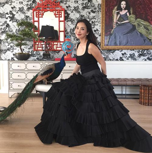 Thời trang xa xỉ của nữ tỷ phú 52 tuổi hot nhất Thái Lan-2