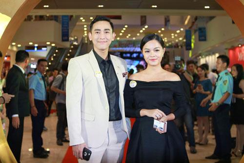 Mlee tình tứ Cường Seven đi xem phim của Dustin Nguyễn-18