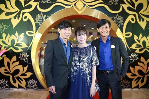 Mlee tình tứ Cường Seven đi xem phim của Dustin Nguyễn-19