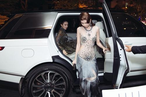 Ngọc Trinh khoe eo thon với váy xuyên thấu tại sự kiện-1