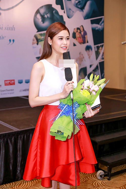 Trương Quỳnh Anh khoe nhan sắc trẻ trung tại sự kiện-7