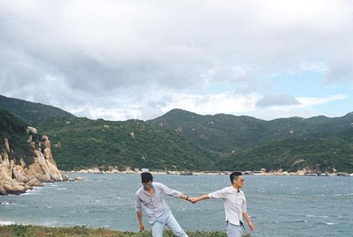 Adrian Anh Tuấn và Sơn Đoàn khoe ảnh kỷ niệm ngày cưới-1
