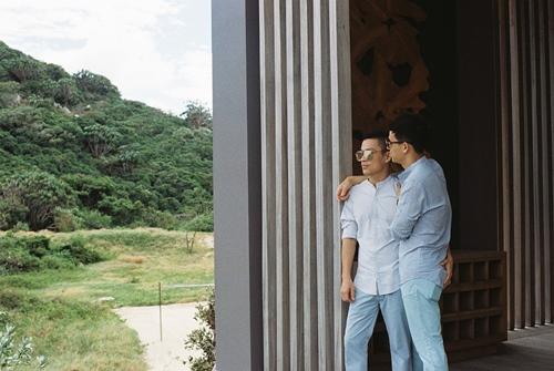 Adrian Anh Tuấn và Sơn Đoàn khoe ảnh kỷ niệm ngày cưới-11