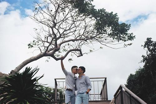 Adrian Anh Tuấn và Sơn Đoàn khoe ảnh kỷ niệm ngày cưới-12