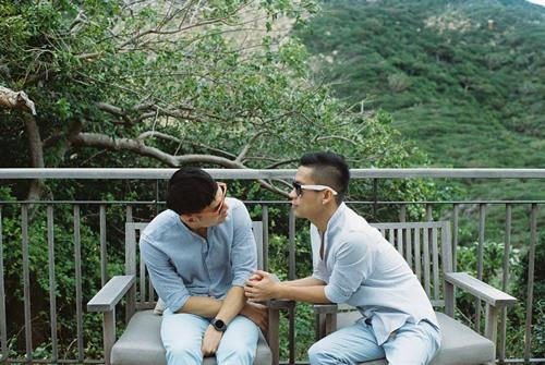 Adrian Anh Tuấn và Sơn Đoàn khoe ảnh kỷ niệm ngày cưới-5